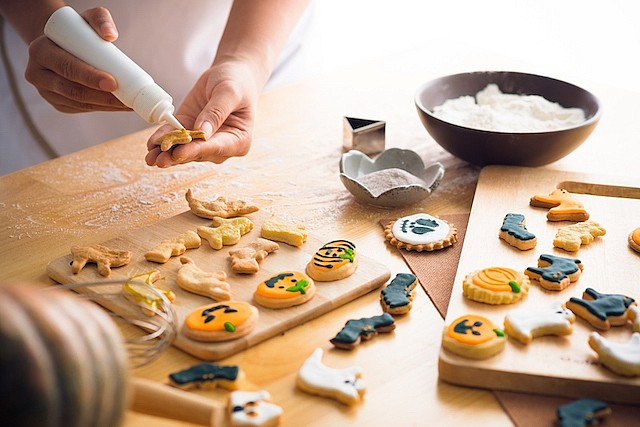 Lubimova.com Halloween cookie cutters and stencils with discount