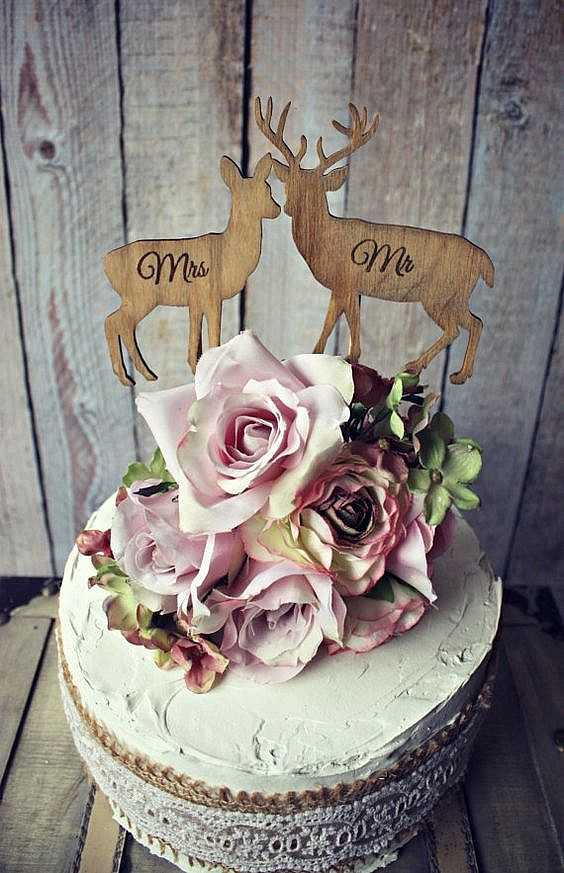 Топпер в торт с фигурками оленей