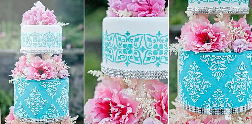 Роскошный свадебный торт украшенный трафаретом